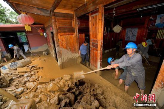 江苏安徽等5省遭特大暴雨袭击 经济损失2.2亿元